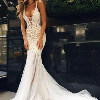 Luxurious Mermaid Long V-neck Weddi..