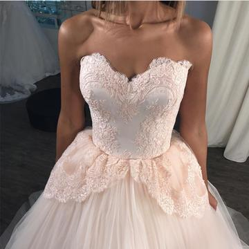 Gorgeous Lace Appliques Sweetheart Tulle Ball Gown Wedding Dresses Pink