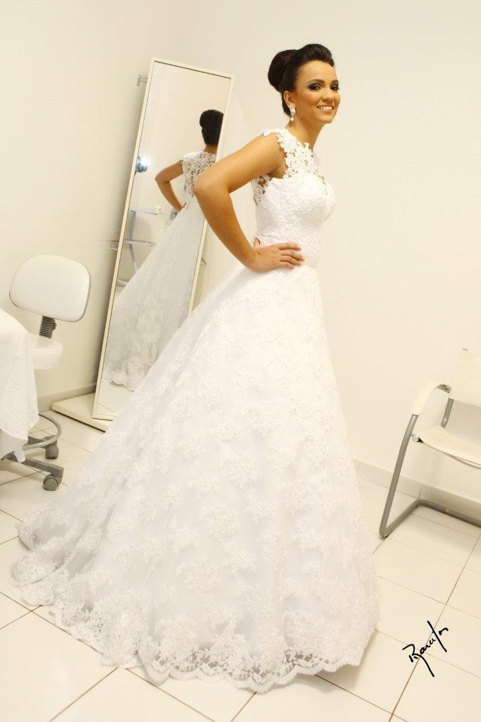 Vintage Ball Gown Wedding Dresses High Neck Sleeveless Long Bridal ...