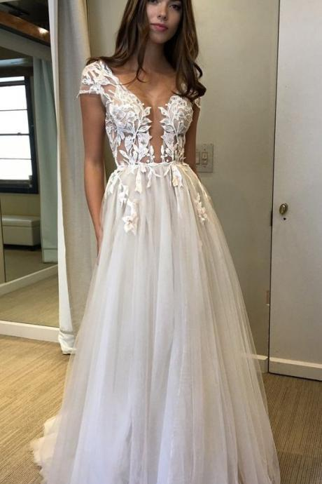 Sexy Prom Dresses Ivory Appliques Floor-length Tulle Prom Dress
