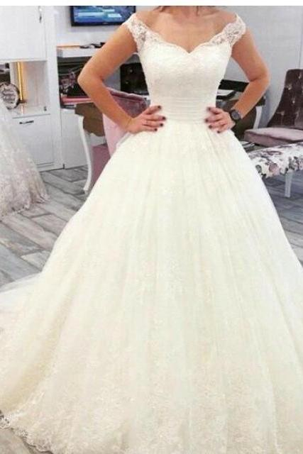 Hug Shoulders Lace Tulle Ball Gown Wedding Dress