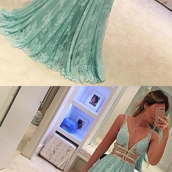 Green A-line V-neck Appliques Chiffon Long Prom Dress