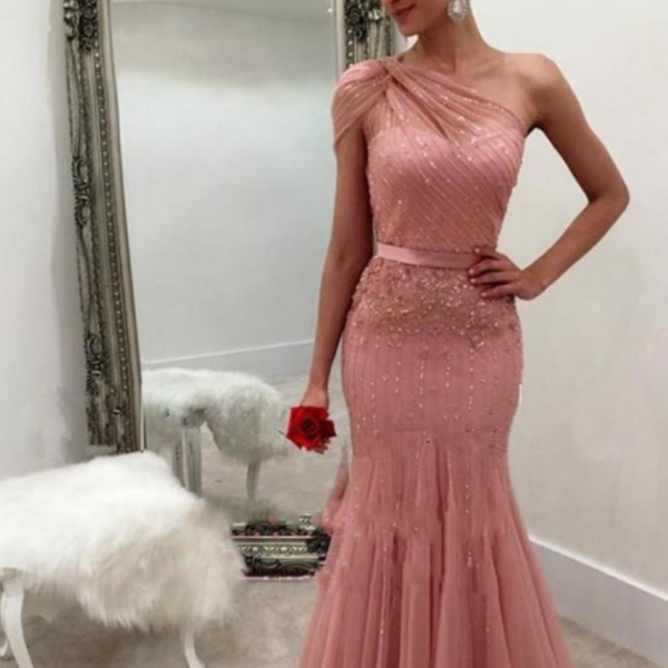 New Design Dusty Rose Formal Dresses Evening Wear 2021 One Shoulder Beaded Mermaid Long Arabic Prom Party Special Occasion Gowns Cheap