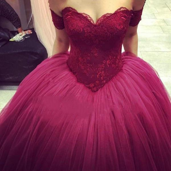 Burgundy Evening Ball Gowns Sweetheart Lace Appliques Puffy Skirt Floor Length Wine Red Saudi Arabia Prom Dresses Custom