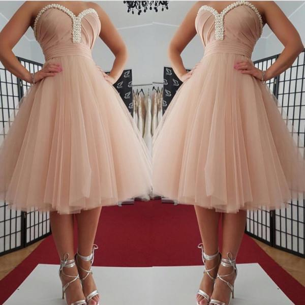 pink homecoming dress,short prom dresses 2017,knee length party dress,pearl beaded cocktail dress,sweetheart dress